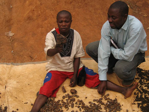 Sorting cassiterite in Eastern Congo