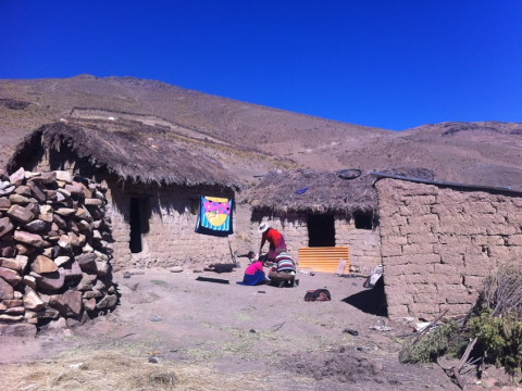 Doña Pascuala's houses and yard, Lancaya. Photo: Sian Cowman.