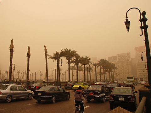 Air pollution in Cairo, Egypt. Photo: Kim Eun Yeul / World Bank via Flickr.com. Photo ID: KY-EG002.