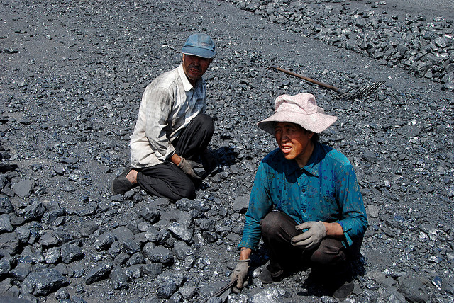 Coal workers in Shizuishan, China. Photo: Bert van Dijk via Flickr.com.