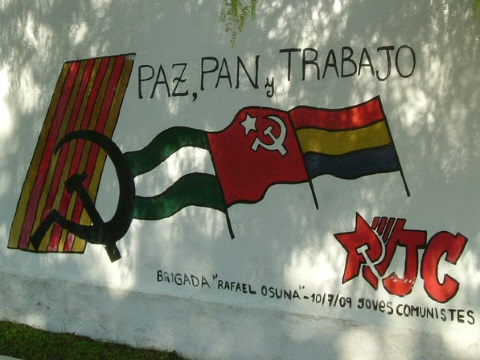 Bread, peace and work! A 'speaking wall' in Marinaleda. Photo: Comisión de Audiovisuales Acampada Zaragoza via Flickr.