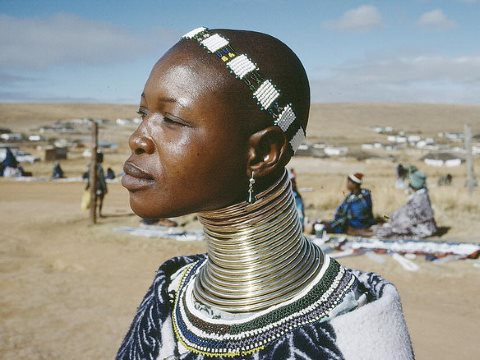 The challenge is to ensure that her voice, and those of millions of other indigenous people, does not get drowned out by economic and political power. A woman from the Ndebele tribe in Kwadlaulale Market, South Africa. Photo: United Nations Photo via Flic