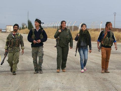 YPG and YPJ fighters in Kobane. Photo: via Derek Wall / Open Democracy.