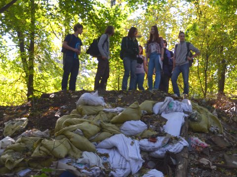 Biology students from the National University of Kiev on a trash monitoring mission at the city's Lysa Hora nature park. Photo: Dimeter Kenarov.