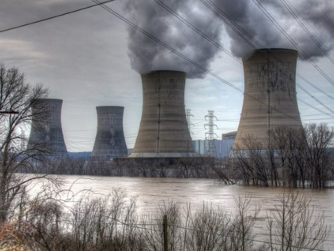 Nuclear power station 1 at Three Mile Island, still in operation now long after the partial meltdown in the TMI-2 reactor in 1979. Photo: joelsp via Flickr.
