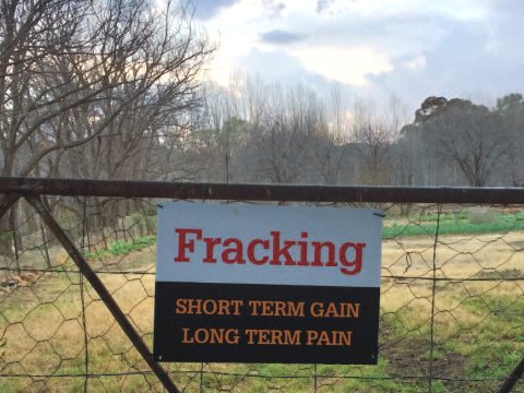 One of many anti-fracking protest posters. Nieu Bethesda, Karoo. Photo: Jose Gil Paris, Stichting Schaliegasvrij.