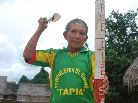 A Matsé leader in the Peruvian Amazon pledges to attack oil workers intruding into the tribe's territory with spears, bows and arrows. Photo: David Hill.