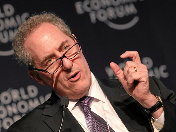 How much will TPP benefit American families? That much. Michael Froman, US Trade Representative at the 'Rebooting Global Trade' session of the 2015 World Economic Forum at Davos, January 2015. Photo: swiss-image.ch / Moritz Hager via Flickr (CC BY-NC-SA).