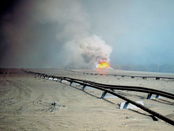 Oil pipelines in Kuwait during Operation Desert Storm. Photo: Tim Moore via Flickr (CC BY-NC-ND 2.0).