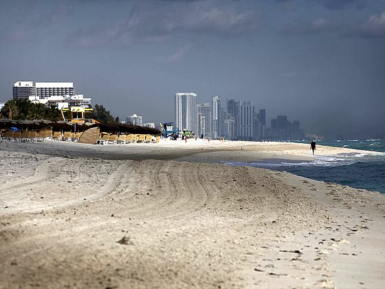 And whatever you say, don't mention 'sea level rise'! Miami Beach, Florida. Photo: Elido Turco via Flickr (CC BY-NC-SA 2.0).