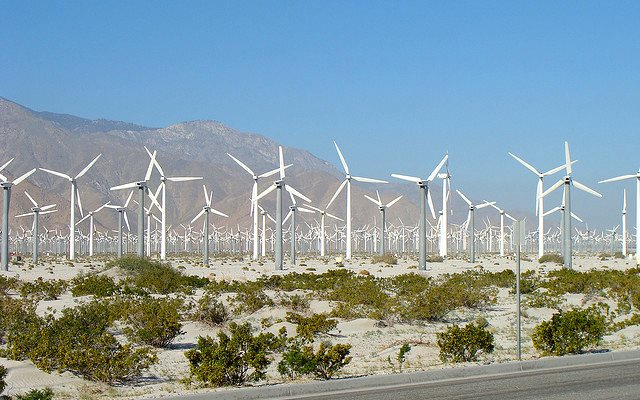 Wind farm at Palm Springs, CA. Photo: Bonita de Boer via Flickr (CC-BY 2.0).