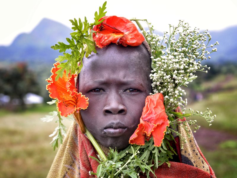 Mursi tribal member, Omo Valley, by Rod Waddington via Flickr (CC BY-SA).