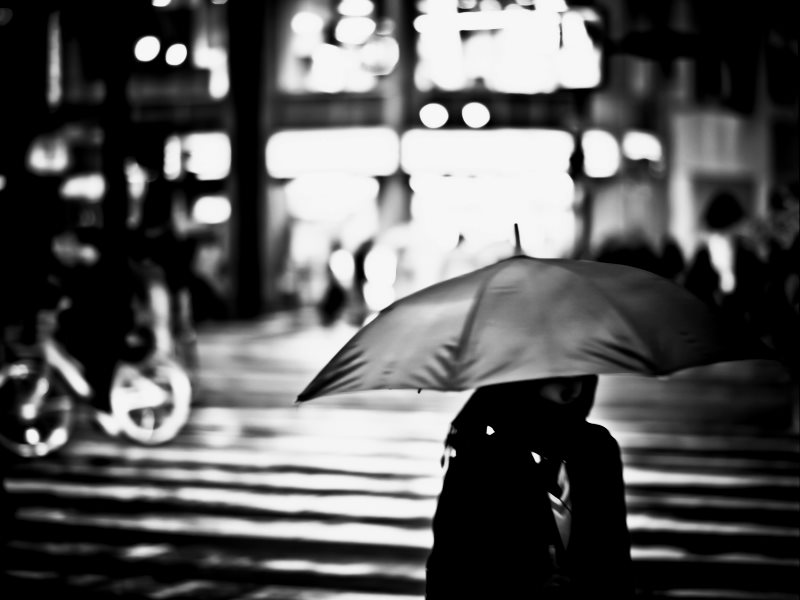 A rainy night in Hiroshima, March 2012. After the US's nuclear strike on 6th August 1945, 'back rain' carried out uranium nanoparticles that caused cancer among those ingesting them. Photo: Freedom II Andres via Flickr (CC BY).