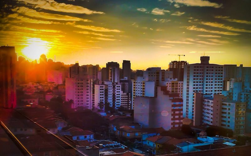 Another hot, dry night falls on Sao Paulo. Photo: Rafael Vianna Croffi via Flickr (CC BY).