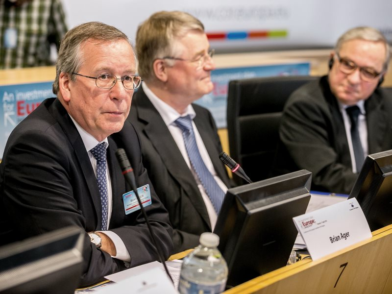 You don't recognise him, you don't know his name ... but Brian Ager, Secretary-General of the European Round Table of Industrialists, wields more power in the EU than most of its member countries. Photo: © European Union / Tim De Backer (CC BY-NC-SA).