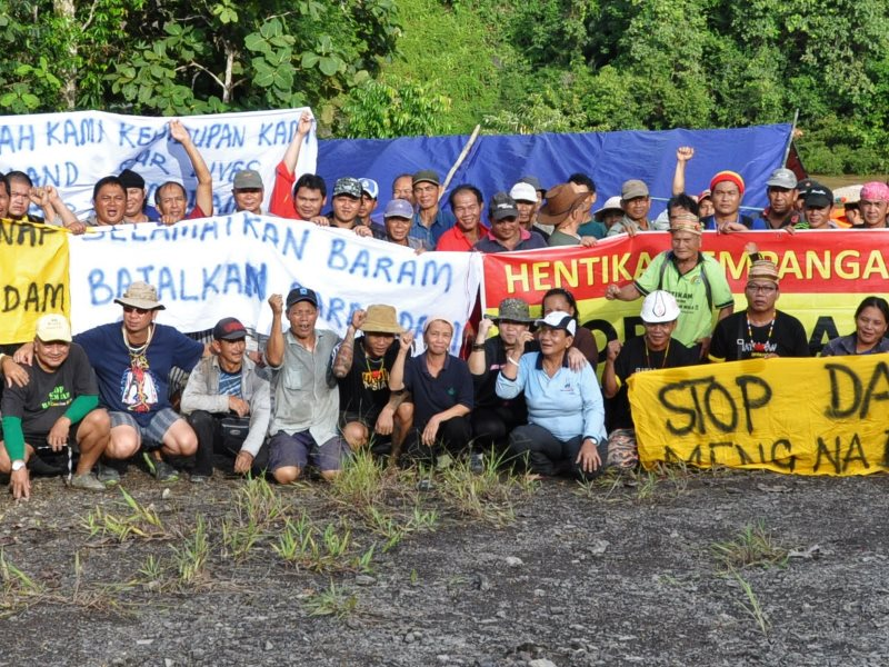 Baram Dam blockade at Long Lama. Photo: Borneo Project.