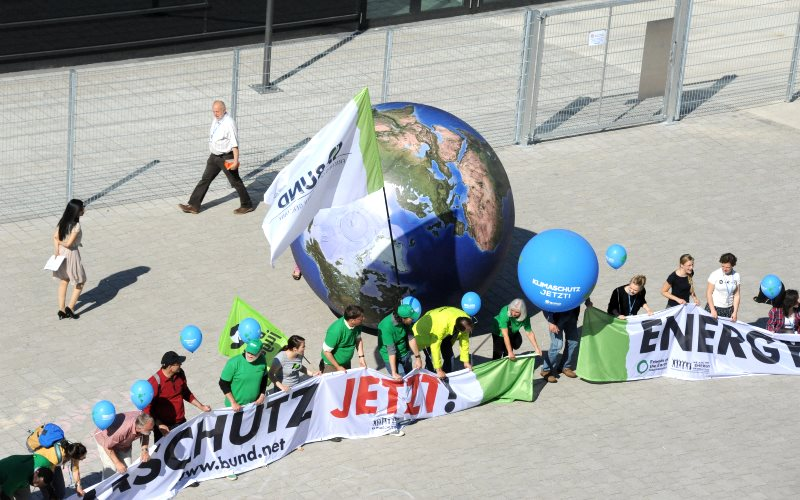 Protesters from Bund, the German FoE NGO, demand climate action now at the Bonn Climate Change Conference, 11 June 2015. But the delegates were unable to deliver. Photo: UNclimatechange via Flickr (CC BY).
