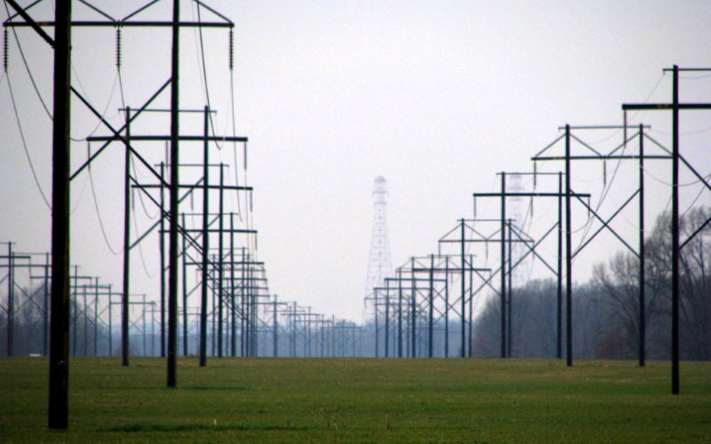 Transmission lines across the Ohio River. Photo: Iris Shreve Garrott via Flickr (CC BY-NC-SA).