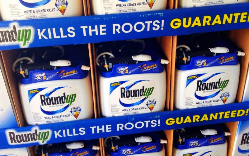RoundUp by Monsanto. Photo: Mike Mozart of TheToyChannel and JeepersMedia on YouTube via Flickr (CC BY).