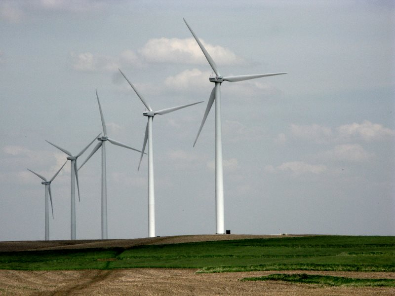Woe betide any politician with a bad word to say about wind power in Iowa, where it's big, getting bigger, and everyone loves it. Photo: Andrew Huff via Flickr (CC BY-NC).