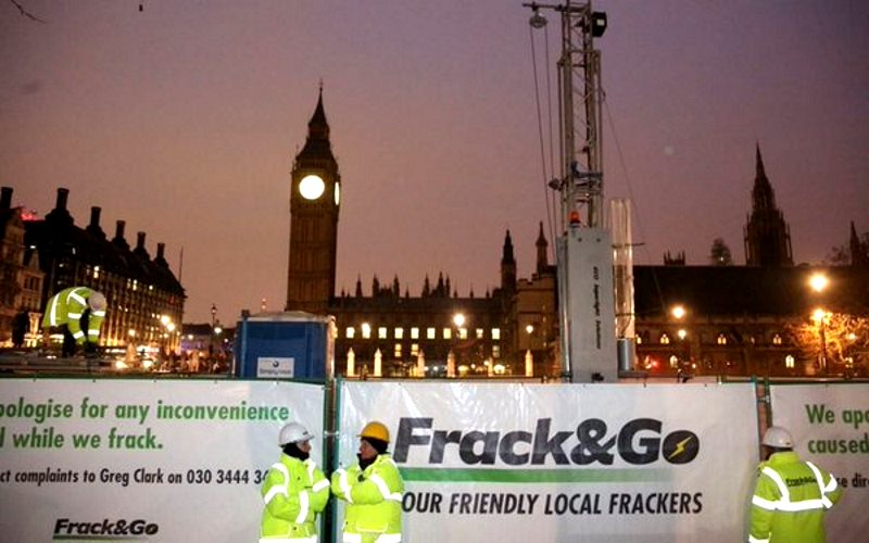 Greenpeace erecting their fracking rig in Parliament Square, London early this morning. Photo: Greenpeace.