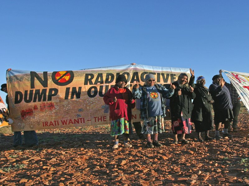 Aboriginal Traditional Owners protest against nuclear waste, Australia. Photo: Friends of the Earth International via Flickr (CC BY-NC-ND).