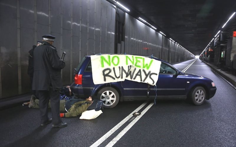 The blockaded tunnel to Heathrow airport this morning, 21st February 2017. Photo: Rising Up!