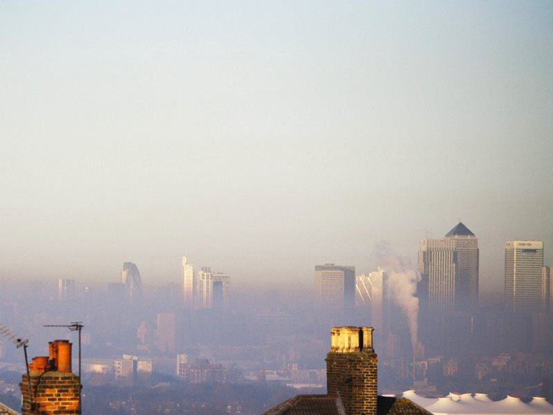 Thick winter smog over London, 14th January 2012. Photo: stu mayhew via Flickr (CC BY-NC-ND).