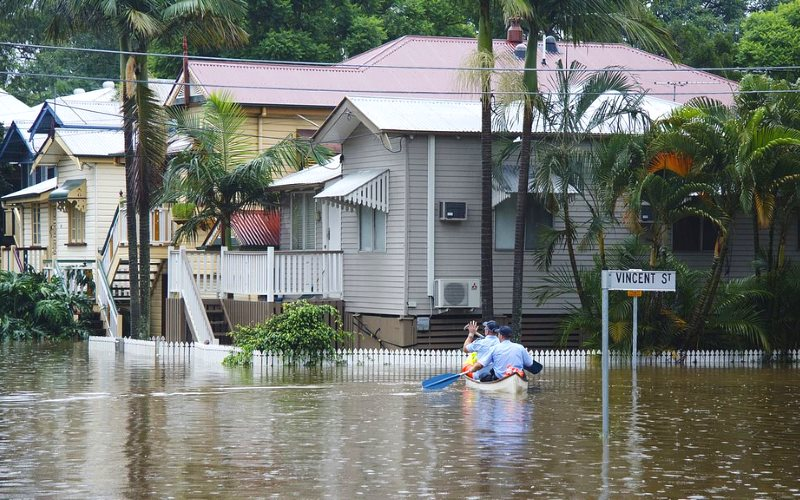 Who needs research into climate change adaptation? Flooding in Brisbane, Queensland, 11th January 2011. Photo: Angus Veitch via Flickr (CC BY-NC).