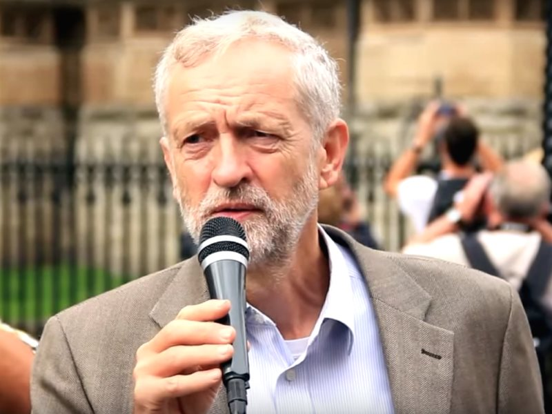 Jeremy Corbyn speaking outside Parliament about human rights in Bahrain, 12th September 2013. Photo: YouTube / RevolutionBahrainMC via Wikimedia commons (CC BY).