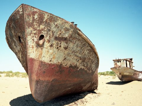 What was once the Aral Sea at Muinak, Qoraqalpoghiston, Uzbekistan. Photo: so11e via Flickr.