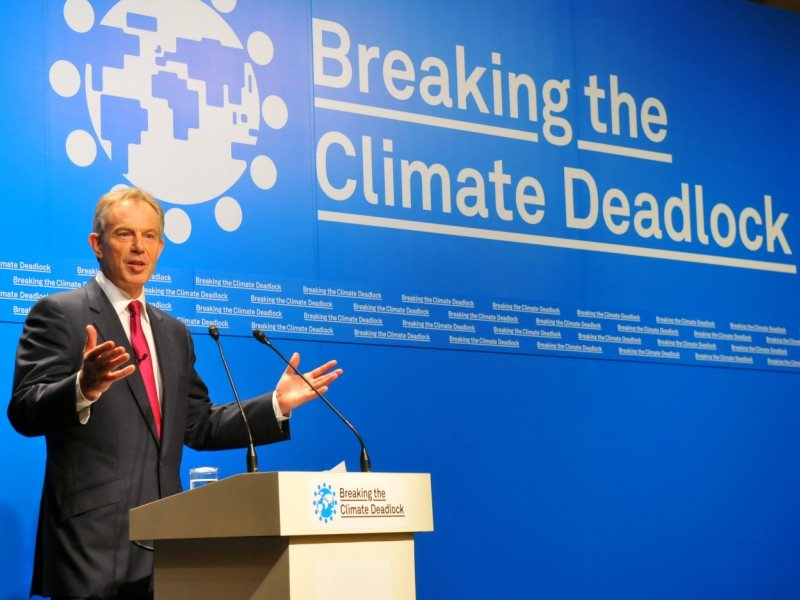 For Tony Blair, climate change was a core issue. But his successors are leaving it to Jeremy Corbyn and Ed Miliband. Launching the 'Breaking the Climate Deadlock' report in Tokyo, Japan, 27th June 2008. Photo: The Climate Group via Flickr (CC BY-NC-SA).