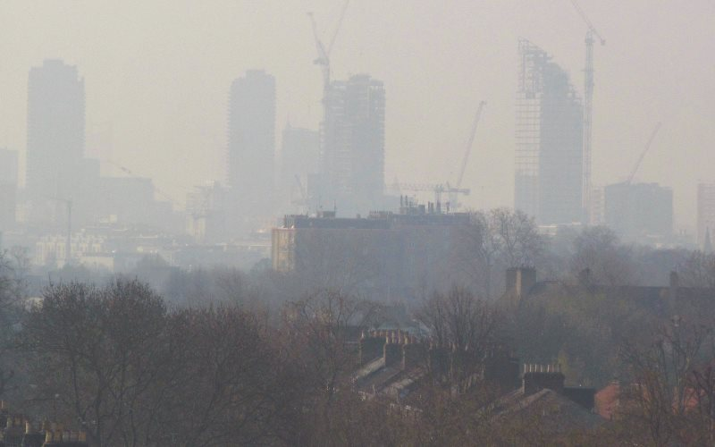 EU countries don't want British pollution blowing their way! London air pollution - view from Hackney 10th April 2015. Photo: DAVID HOLT via Flickr (CC BY).