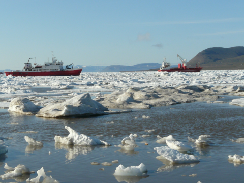 Ships at Svalbard. Photo: Christopher Ware.