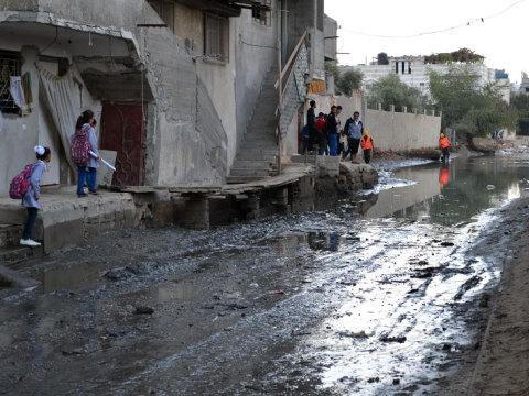 A Gaza residential street is inundated by sewage. Photo: Rosa Schiano / International Solidarity Movement.