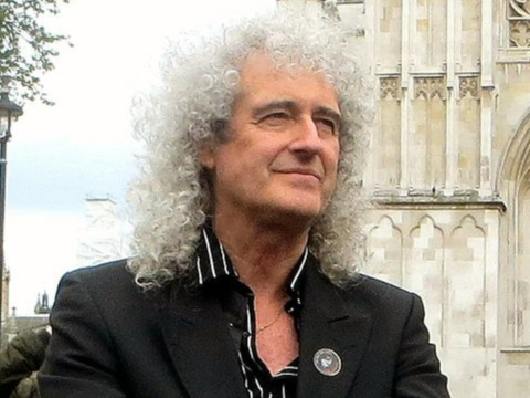 Brian May on a badger cull protest outside Parliament, 1st June 2013. Photo: Brian Minkoff - London Pixels / Wikimedia Commons.