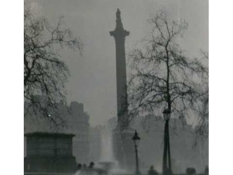 London's pollution is less visible, but it's still there and it's still deadly. Nelson's Column during the Great Smog of 1952. Photo: N T Stobbs / Wikimedia Commons.