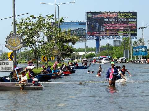 Bangkok Floods 2011 - Pakkred and beyond. Photo: Philip Roeland via Flickr.