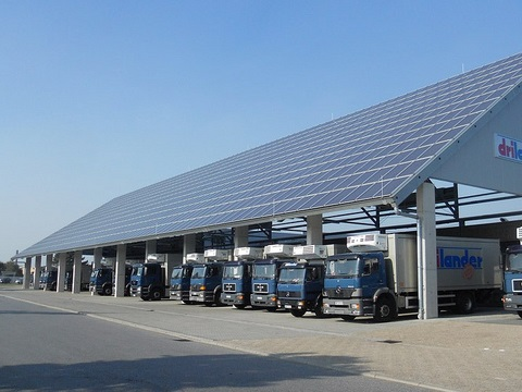 A common sight in Germany - a solar parking shelter with a generation capacity of approx 0.3MW. Photo: Tim Fuller via Flickr.