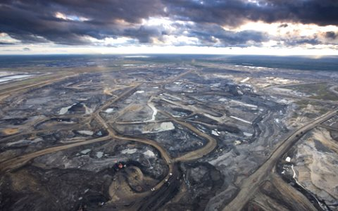 The Syncrude Aurora Oil Sands Mine, north of Fort McMurray, Canada. Photo: Elias Schewel via Flickr.
