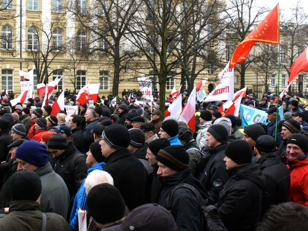 Thousands of farmers are protesting in Warsaw, Poland, to demand an end to land grabs, corporate domination of food and farming, draconian regulation, GMO crops, and the imposition of an 'agribusiness' model that undermines their independence and the inte
