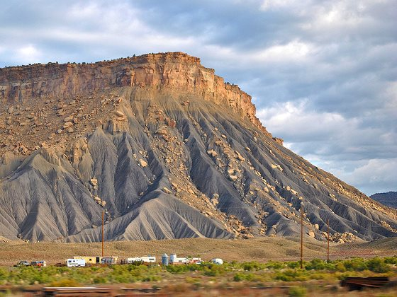 Utah's Book Cliffs are no empty wasteland - but that's what the tar sands industry is set to turn them into. Photo:  Loco Steve via Flickr (CC BY).