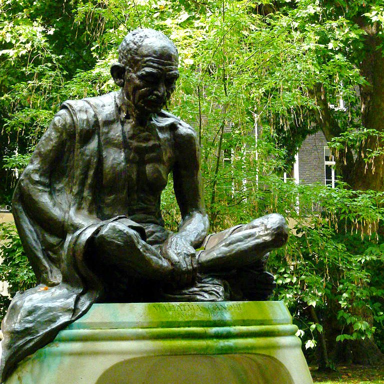 The other Gandhi statue in London's Tavistock Square. Photo: L. Shyamal via Wikimedia Commons (CC BY-SA).