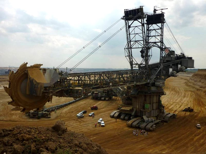 In August 2014 climate activists blocked a digger in one of the Rhineland open-pit coal mines. Protests will resume in August 2015. Photo: 350.org via Flickr (CC BY-NC-SA).