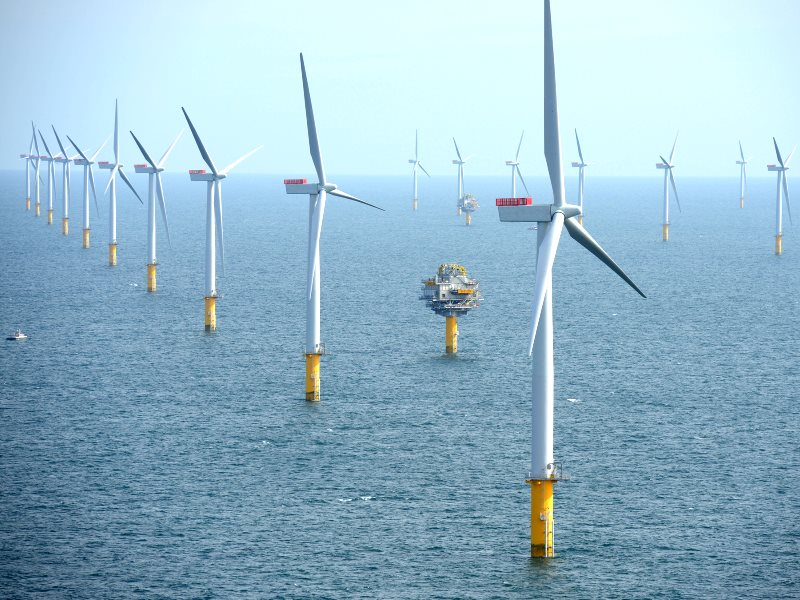 Sheringham Shoal Offshore Wind Farm. Photo: Harald Pettersen / Statoil via Flickr / NHD-INFO (CC BY).