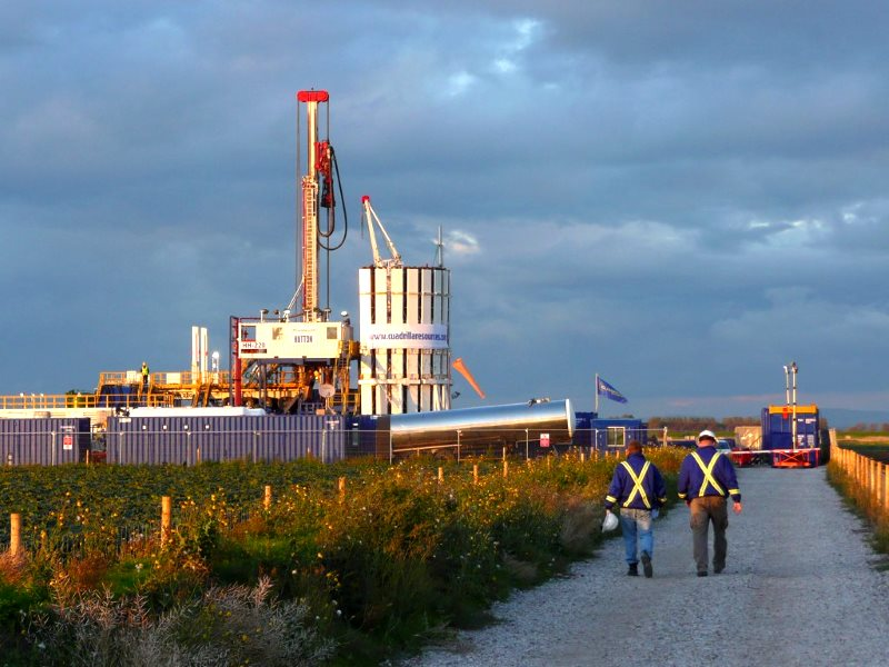 Workers at Cuadrilla's fracking site near Preston, Lancashire, September 2011. Photo: JustinWoolford via Flickr (CC BY-NC-SA).