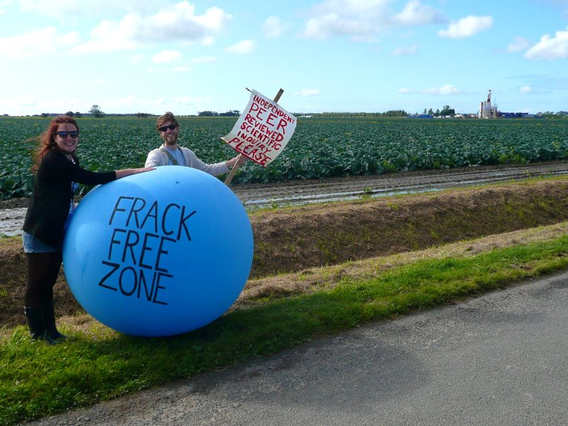 Protest at Cuadrilla's fracking site near Preston, Lancashire, September 2011. Photo: JustinWoolford via Flickr (CC BY-NC-SA).
