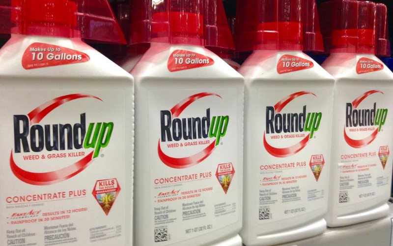 Roundup by Monsanto, photographed in February 2015 by Mike Mozart of TheToyChannel and JeepersMedia. Via Flickr (CC BY).