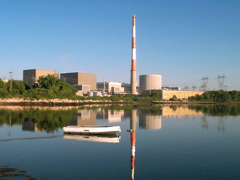 Radioactive emissions from the Millstone nuclear power complex in Waterford, CT are associated with elevated breast cancer incidence in the Long Island Sound Counties. Photo: Dominion Energy vua NRC / Flickr (CC BY-NC-ND).