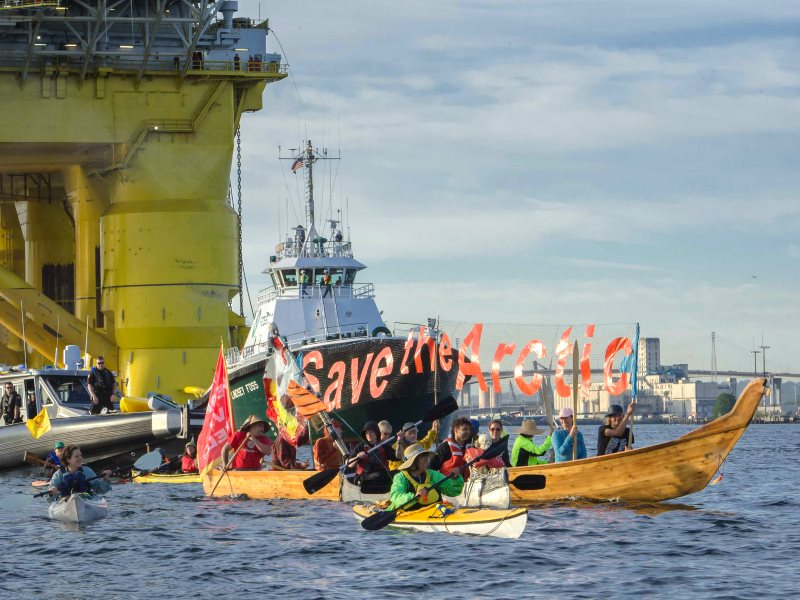 sHellNo! Flotilla Departure Blockade in Seattle's Elliott Bay, 15th June 2015. Photo: Jeff Dunnicliff / Backbone Campaign via Flickr (CC BY).